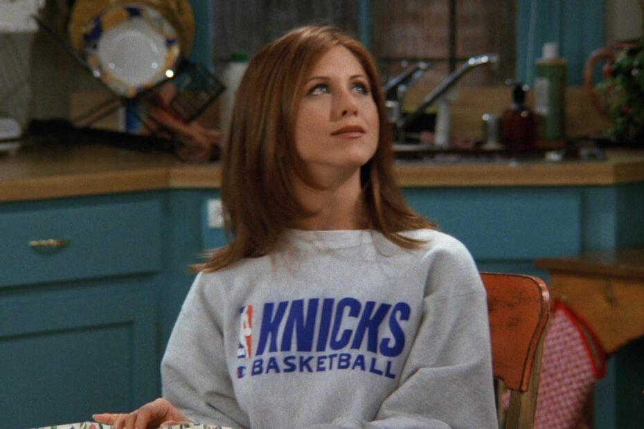 Makaveli Bet - NBA New York Knicks Basketball Team Sweatshirt Worn by Jennifer Aniston Rachel Green in Friends 9